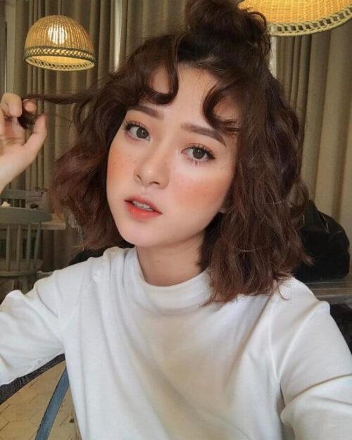 Kiểu tóc ngắn uốn xoăn đẹp nhất 2021 - Ảnh 9
