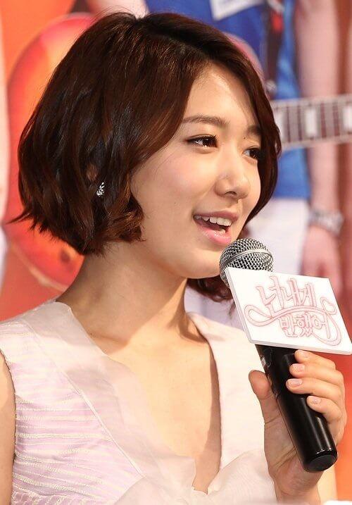 Kiểu tóc ngắn cá tính cho nữ đẹp nhất 2021 - Ảnh 20