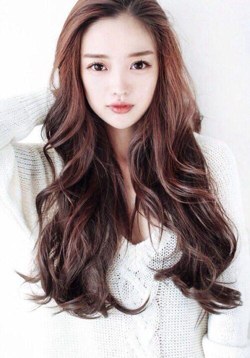 Kiểu tóc xoăn dài đẹp 2021 khiến chị em mê mẩn - Ảnh 2