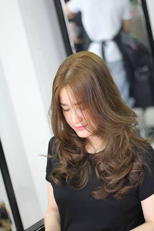 Kiểu tóc xoăn dài đẹp 2021 khiến chị em mê mẩn - Ảnh 29