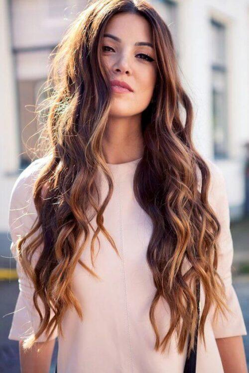 Kiểu tóc xoăn dài đẹp 2021 khiến chị em mê mẩn - Ảnh 7