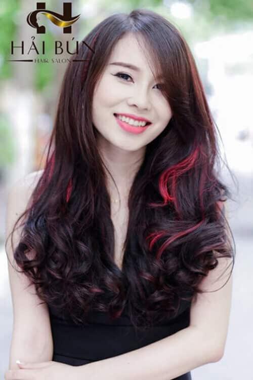 Kiểu tóc xoăn dài đẹp 2021 khiến chị em mê mẩn - Ảnh 9