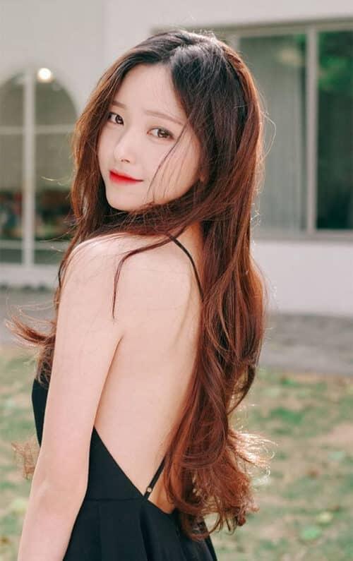 Tóc dài gợn sóng nhẹ