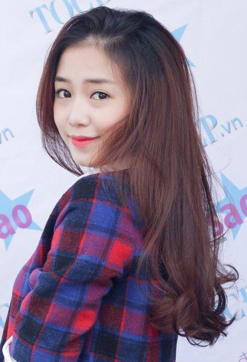 Kiểu tóc dài uốn 2021 xinh lung linh - Ảnh 10