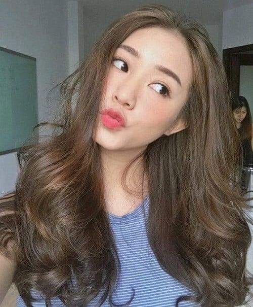 Kiểu tóc dài uốn 2021 xinh lung linh - Ảnh 11
