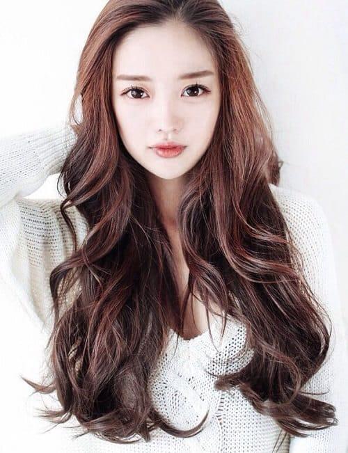 Kiểu tóc dài uốn 2021 xinh lung linh - Ảnh 12