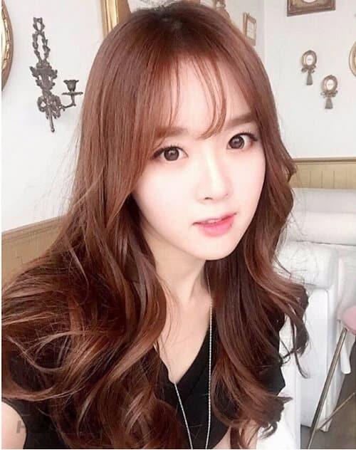 Kiểu tóc dài uốn 2021 xinh lung linh - Ảnh 27