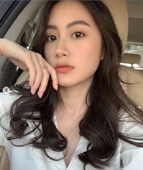 Kiểu tóc dài uốn 2021 xinh lung linh - Ảnh 31