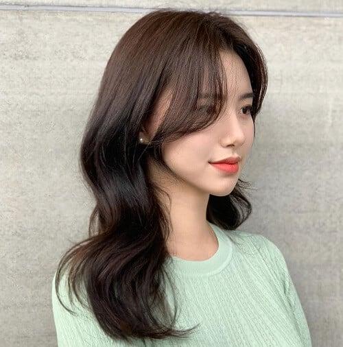 Kiểu tóc uốn đuôi 2021 đẹp lộng lẫy cho phái nữ - Ảnh 23