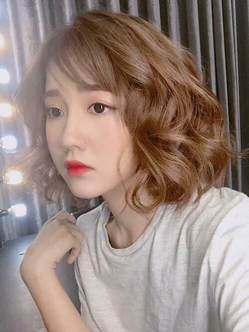 Kiểu tóc xoăn lọn to 2021 đẹp - Ảnh 10