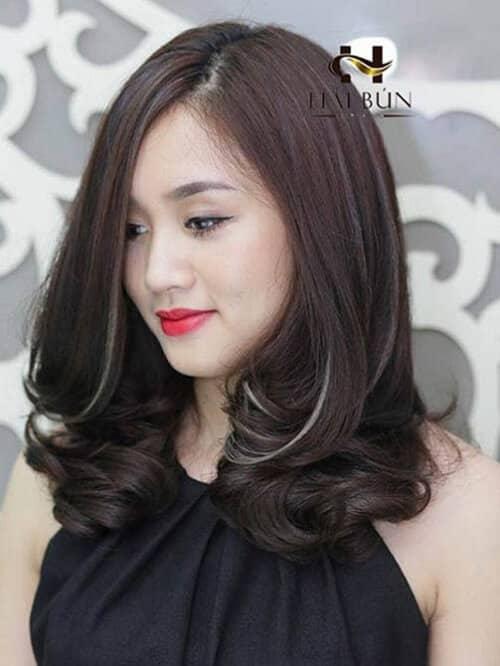 Kiểu tóc xoăn lọn to 2021 đẹp - Ảnh 11