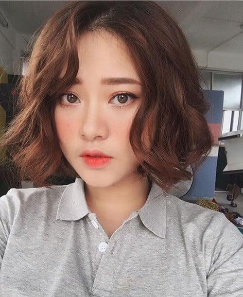 Kiểu tóc xoăn ngắn 2021 đẹp nhất cho phái nữ - Ảnh 21