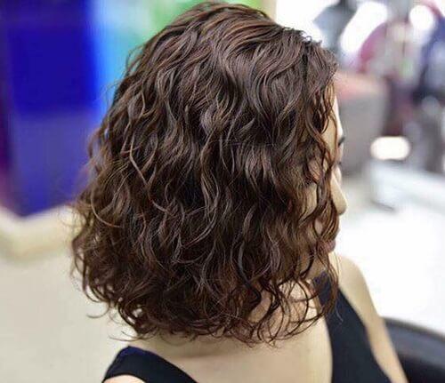 Kiểu tóc xoăn ngắn 2021 đẹp nhất cho phái nữ - Ảnh 30