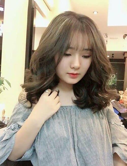 Kiểu tóc xoăn ngắn 2021 đẹp nhất cho phái nữ - Ảnh 37