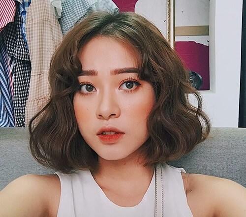 Kiểu tóc xoăn ngắn 2021 đẹp nhất cho phái nữ - Ảnh 6