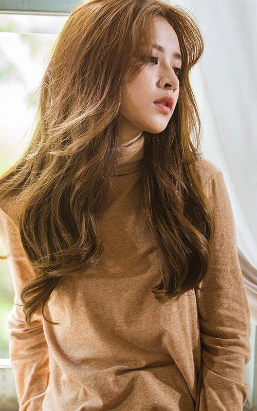 Kiểu tóc xoăn sóng đẹp 2021 phù hợp mọi gương mặt - Ảnh 29