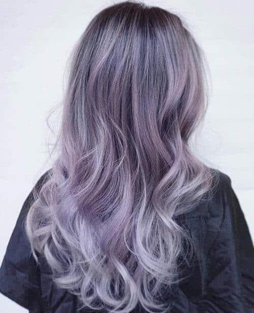 Màu tóc tím khói mang đến vẻ đẹp mộng mơ nổi bật