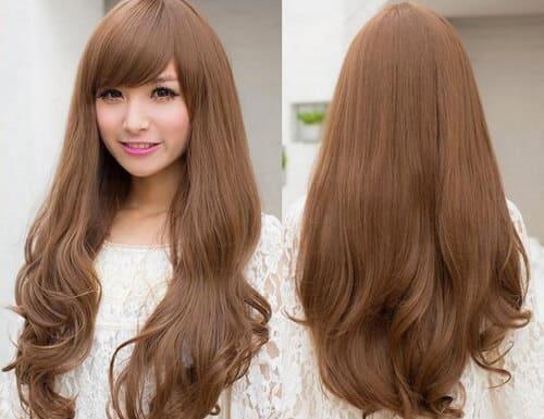 Tóc màu hạt dẻ xinh xắn