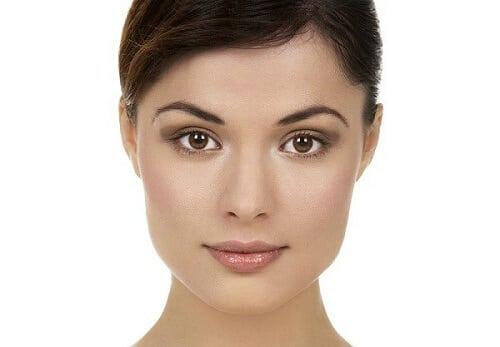 Cách nhận biết một khuôn mặt vuông trước khi chọn một kiểu tóc đẹp