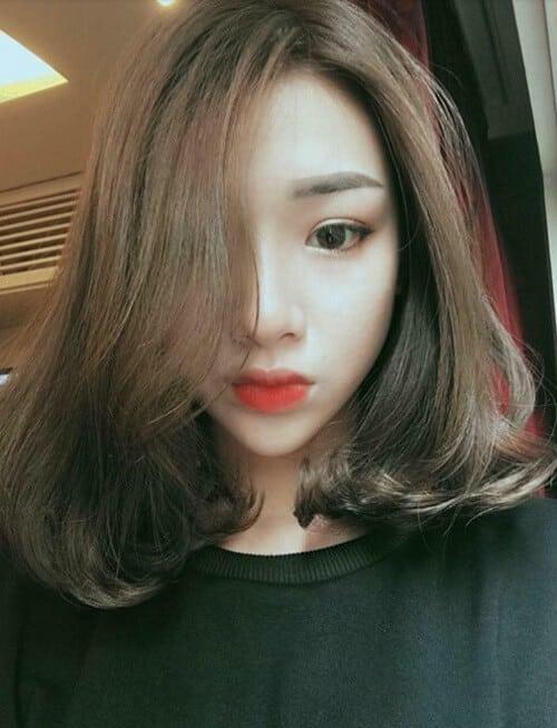 Tóc ngắn với mái dài