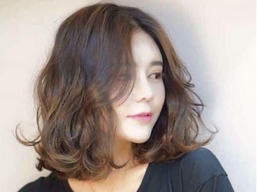 Kiểu tóc ngắn xoăn lơi