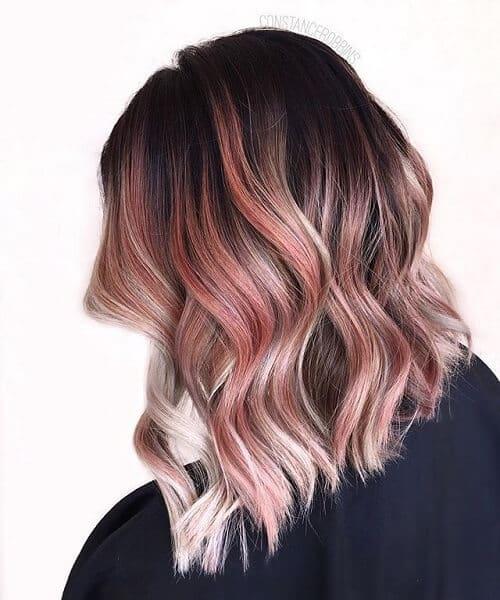 Tóc highlight màu hồng