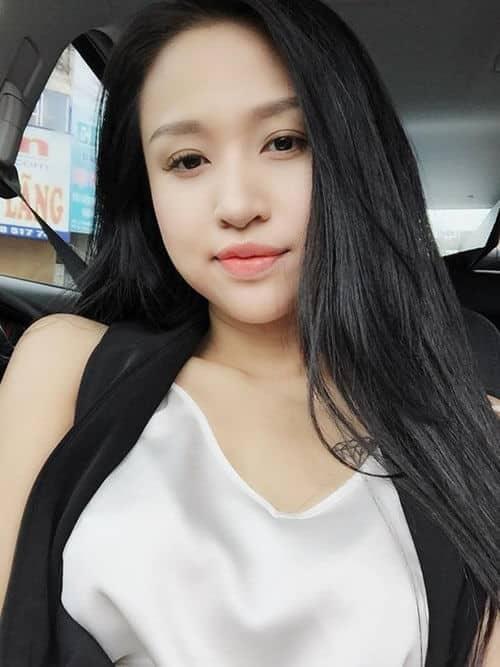 Tóc màu đen