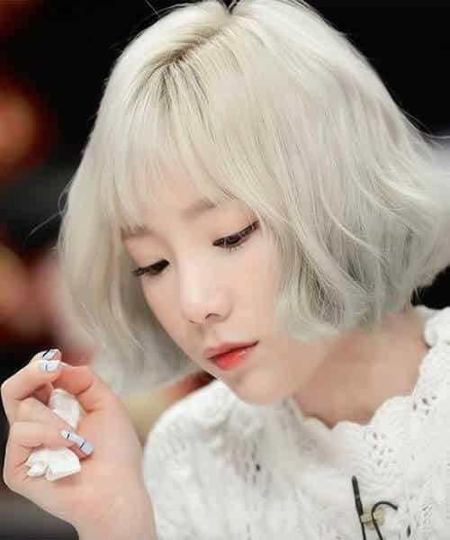 Tóc màu trắng bạch kim