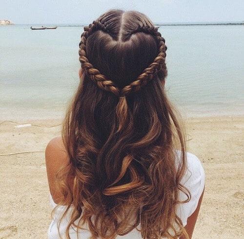 Tết tóc hình trái tim