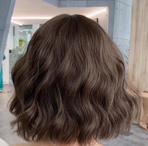 Tóc ngắn xoăn sóng cả đầu