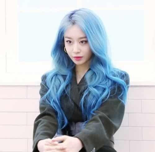 Tóc màu khói xanh