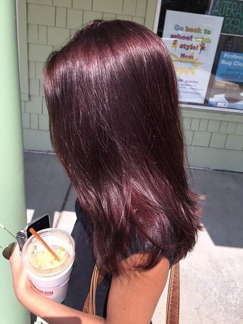 Tóc thẳng màu nâu đỏ