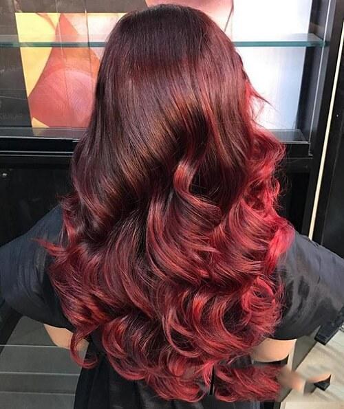 Tóc màu nâu đỏ ánh cam