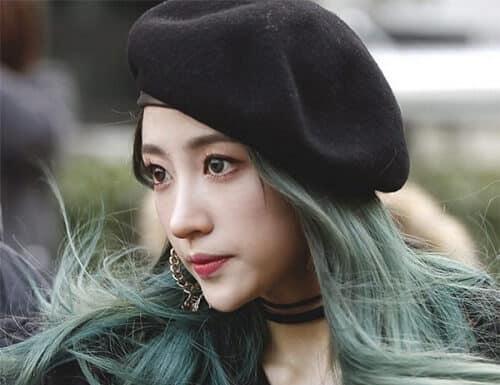 Biến hóa sang chảnh bất ngờ cùng kiểu tóc màu nâu rêu ánh kim ombre đẹp
