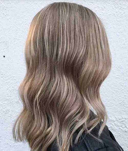 Màu tóc nâu sáng