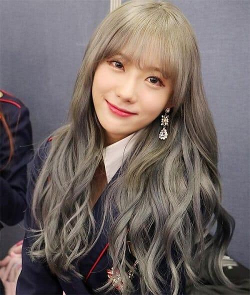 Tóc màu nâu tây ánh xanh