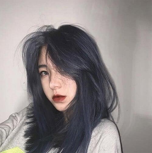 Tóc màu xanh bạc đen