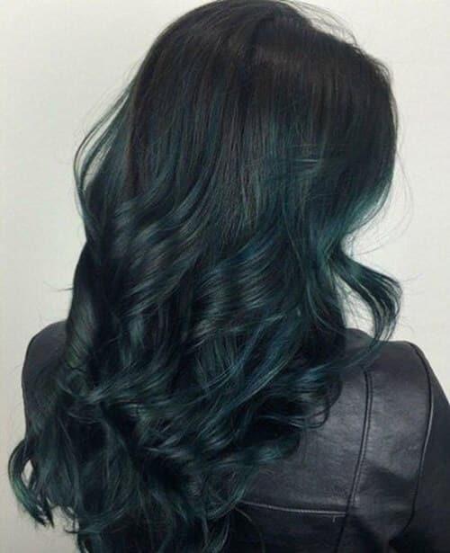 Tóc uốn màu xanh rêu