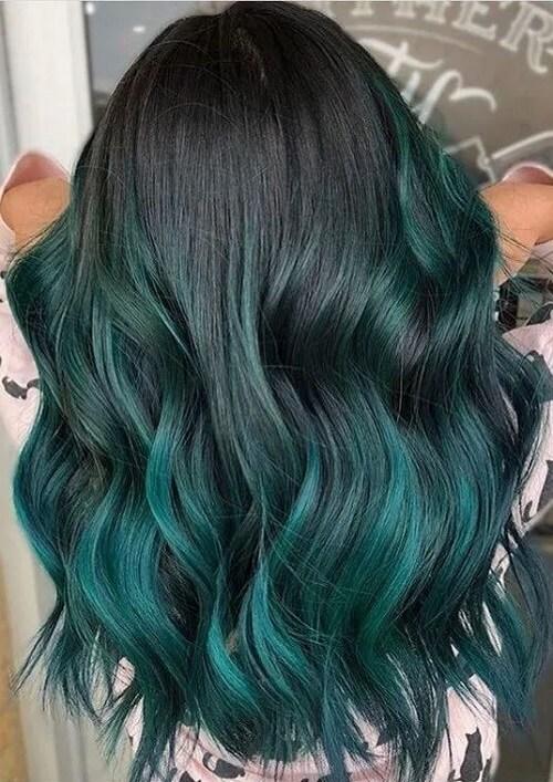 Tóc xoăn đuôi màu xanh rêu