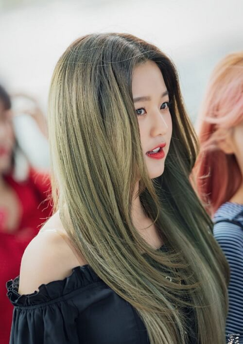 Màu tóc xanh rêu nâu