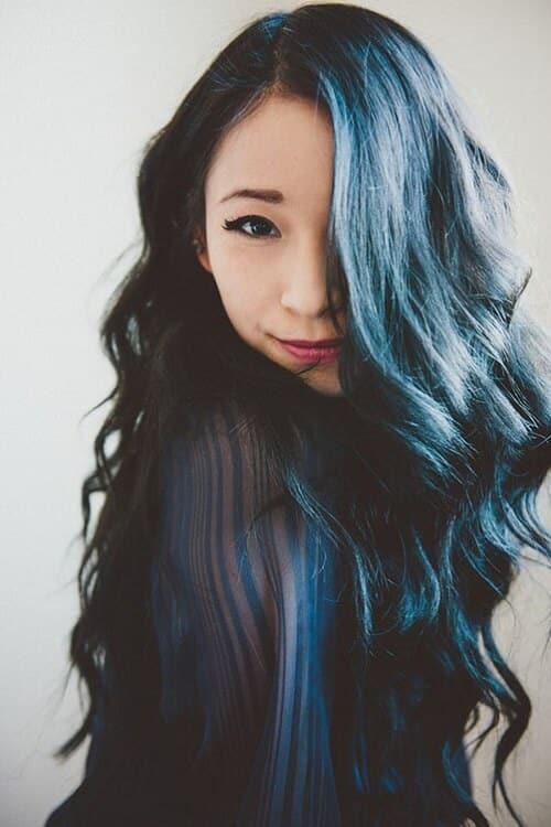 Tóc màu xanh rêu đậm