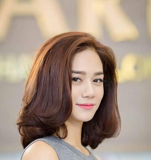 Tóc ngắn mặt vuông dài