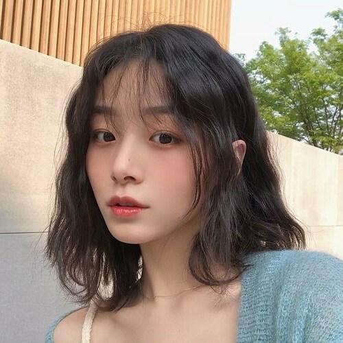 Kiểu tóc ngắn xoăn nhẹ 2021 - Ảnh 2