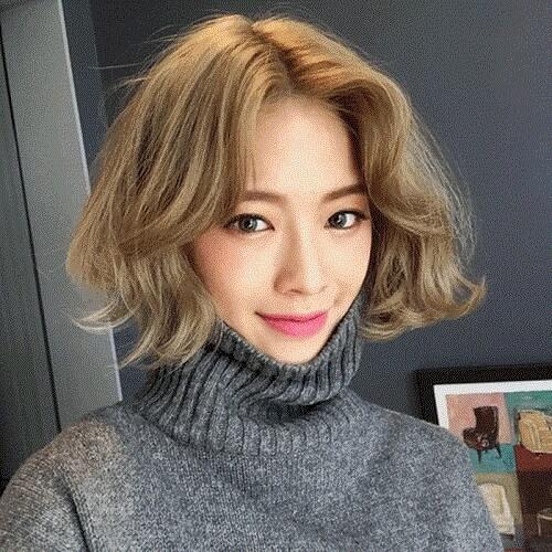 Kiểu tóc ngắn xoăn nhẹ 2021 - Ảnh 27