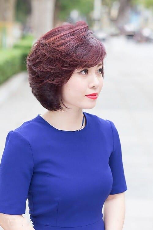 Tóc ngắn trung niên ở tuổi 50 - Ảnh 1