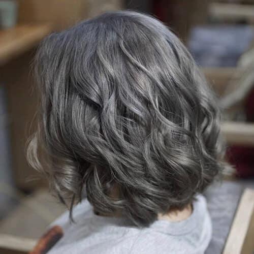 Màu xám than chì cực phù hợp cho tóc ngắn