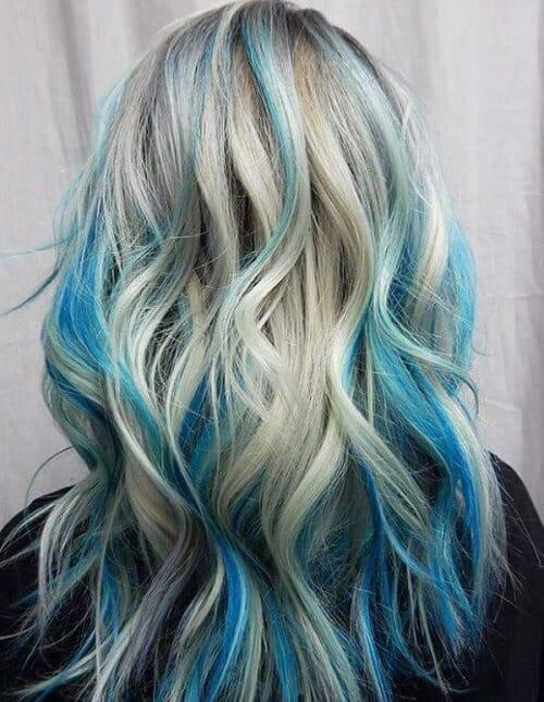Kiểu tóc màu than chì đẹp: Highlight xanh dương