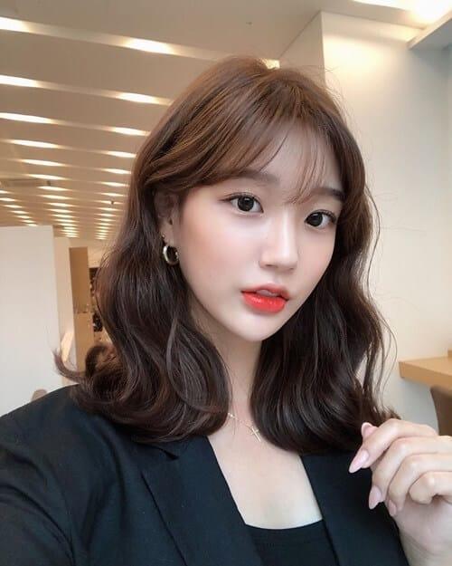 Tóc mái cho nữ tóc mỏng mặt dài