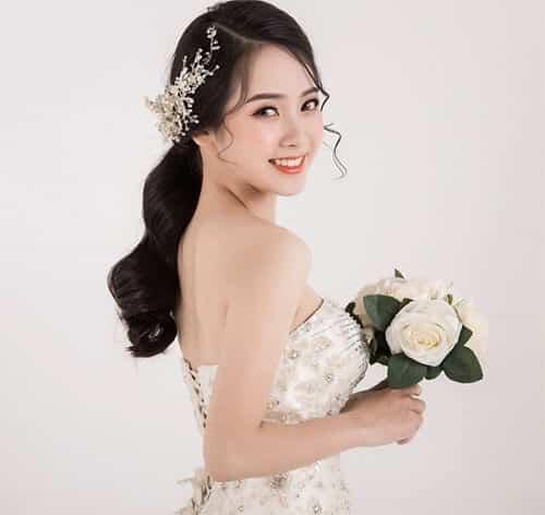 Tóc cô dâu mặt dài