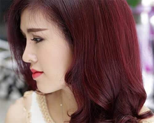 Tóc màu nâu hạt dẻ ánh đỏ